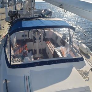 Enclosure Sail Boat1