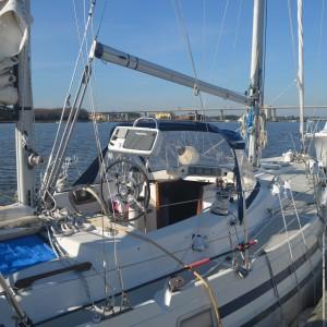 Enclosure Sail Boat3